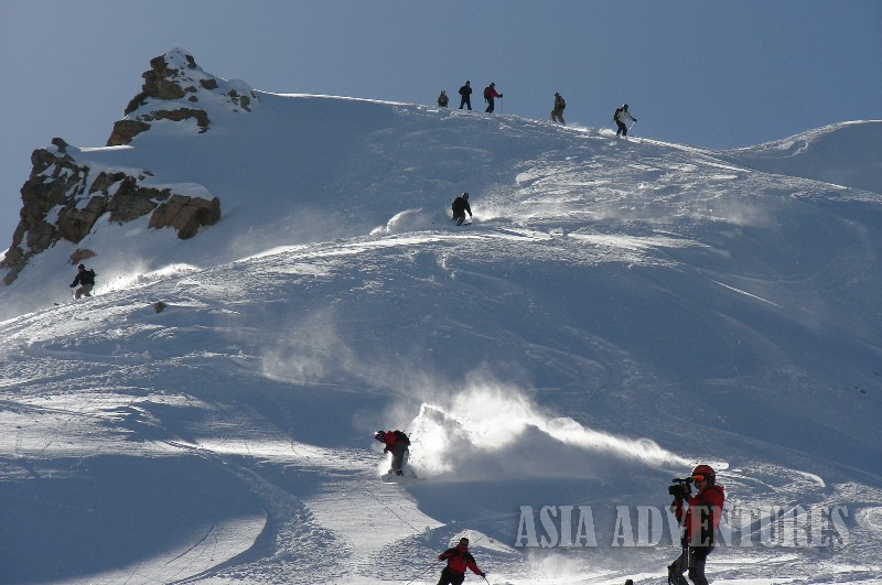 Photo 7. Heli ski Heliboard